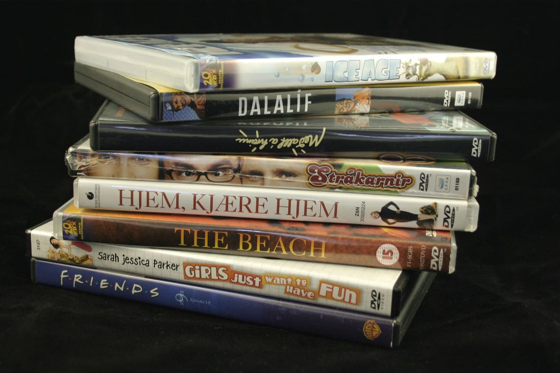 Do you know that you can get free DVD rentals from Redbox, Netflix, & any public library? You can even get these free DVDs delivered by mail.