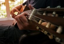 Guitar Tuner Apps for Android and iOS