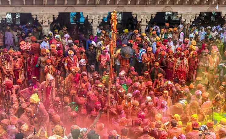 holi in Mathura