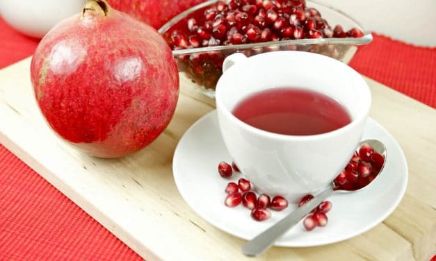 Pomegranate Health Benefits & Ways to Consume this Super Fruit