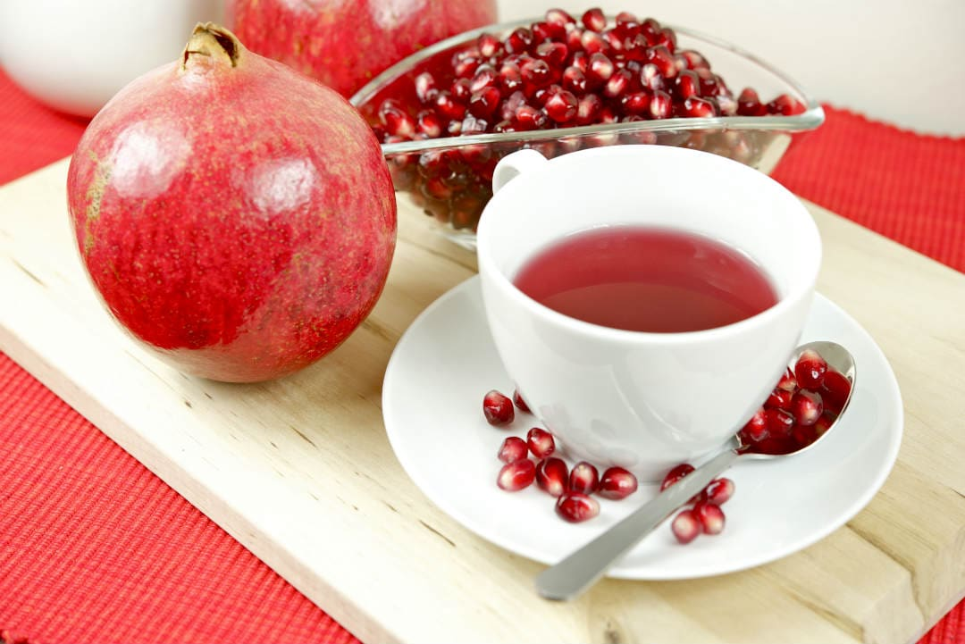 Pomegranate can - cure digestive problems, reduce risk of heart attack, prevent cancer, Dental care, prevent osteoarthritis, help treat anaemia, control diabetes, correct erectile dysfunction, help in Alzheimer's disease, control blood pressure