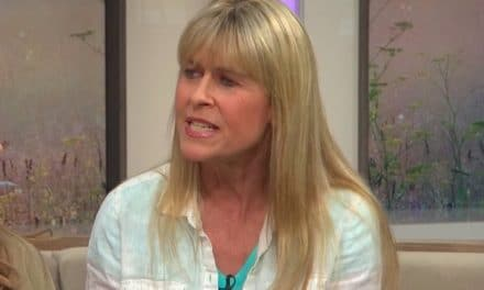 All about Terri Irwin Net Worth: Career as a Naturalist, Author, etc.