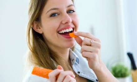 How to Whiten Teeth? – 8 Natural & Simple Ways