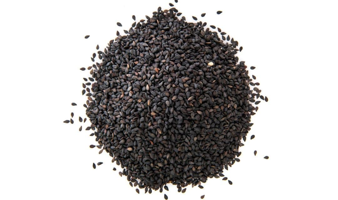 12 Science-Backed Black Seed Oil Benefits on Your Health