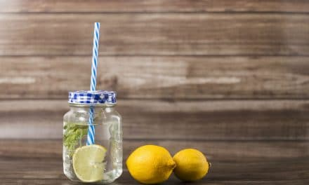 11 Super Health Benefits of Lemon Water