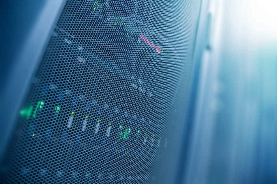 What is the Difference Between Shared Hosting and Cloud Hosting?