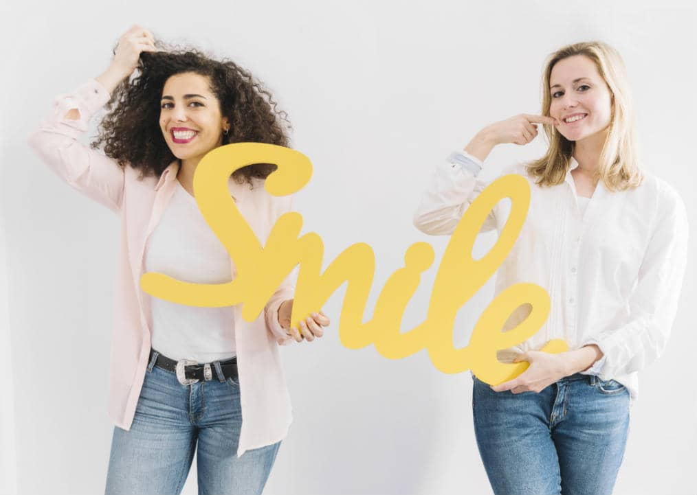 Improper brushing, nutritional deficiencies, smoking, etc. can cause bleeding gums. Hormonal changes, pregnancy, certain oral infections are all predisposing factors for gingival bleeding. Effective brushing and flossing can stop bleeding gums.