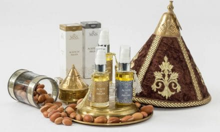 13 Top Argan Oil Benefits & Uses for a Healthy Skin & Hair