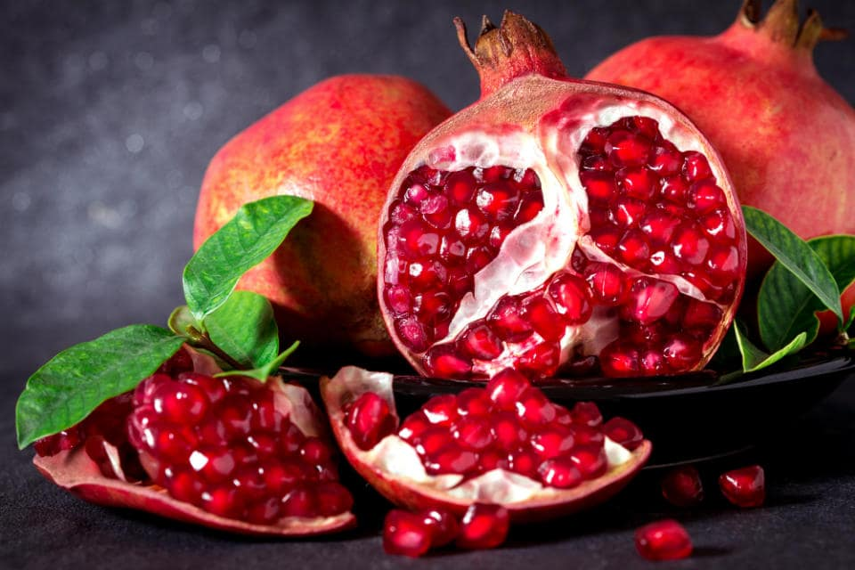 Pomegranate seeds health benefits include improvement in memory and cognitive function, reduction in inflammation and arthritic pain, etc.