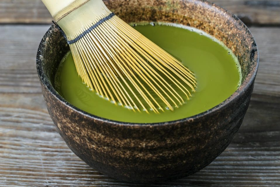 11 Top Health Benefits of Chlorella & Its Side Effects
