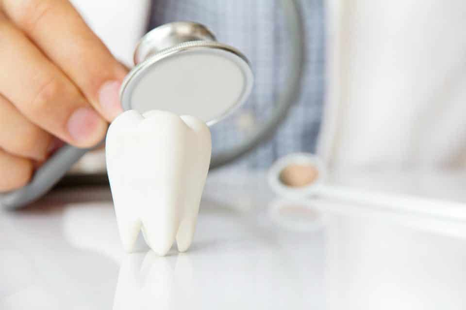 Can a Cracked Molar be Fixed? Detection & Treatment