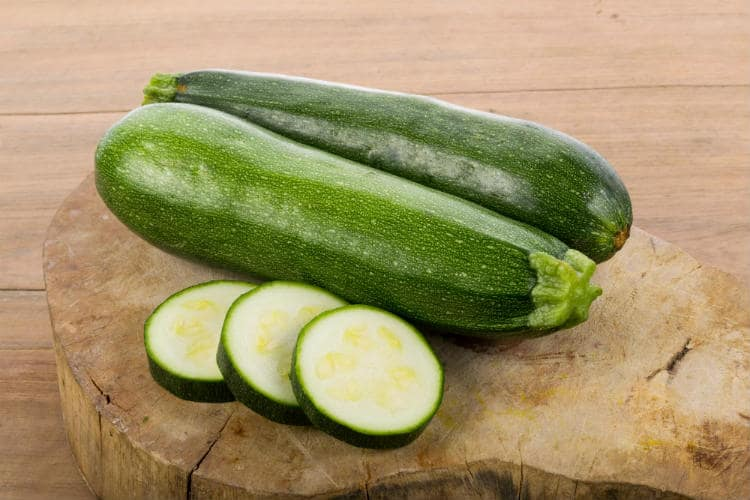 12 Nutritional Benefits of Zucchini & Side-Effects