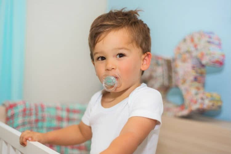 Pacifier Teeth in Babies – Ill Effects of Pacifiers & Remedies