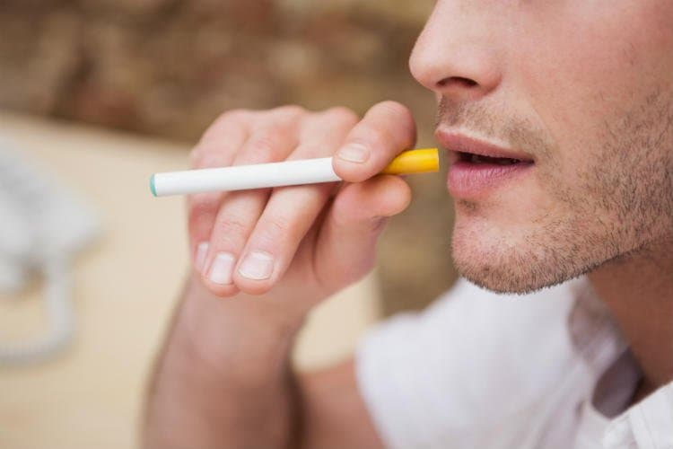 Smoker's Teeth – How Smoking Affects Oral Health?