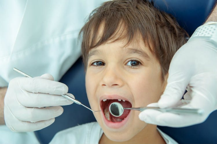 How to Pull a Loose Tooth & What is the right time?