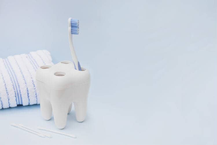 How to Sanitize a Toothbrush? – 7 Most Effective Ways
