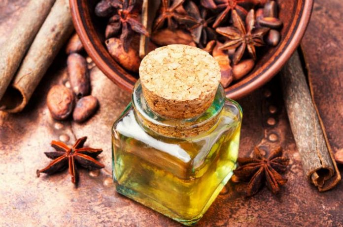 Cinnamon essential oil benefits