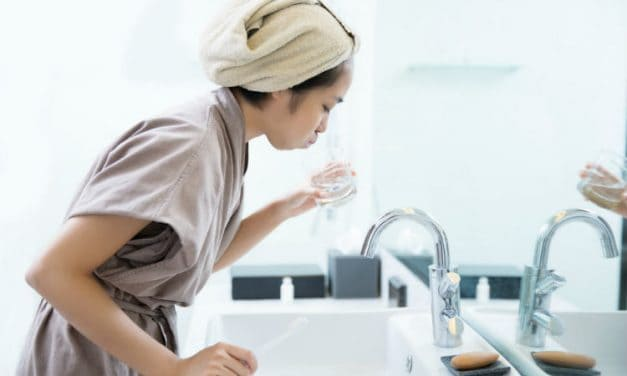 Fluoride Mouthwash – It Fights the Cavities & Makes the Teeth Strong