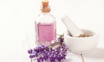 11 Top Lavender Essential Oil Benefits & Its Uses