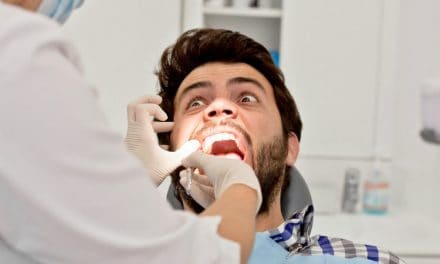 What is a Dead Tooth? Signs, Symptoms, Cause & Treatment