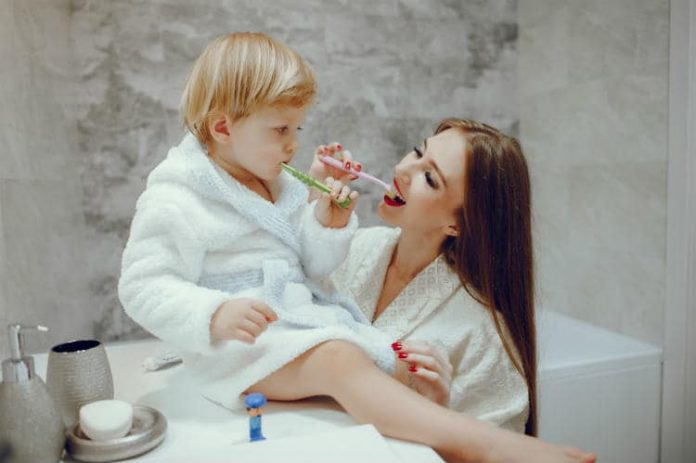 how to brush toddler teeth