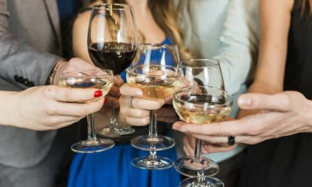 Tips to Fix Wine Stained Lips – Before and After Drinking